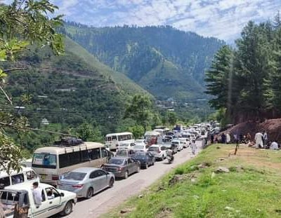Millions of Tourists stranded in traffic jam on Naran Road