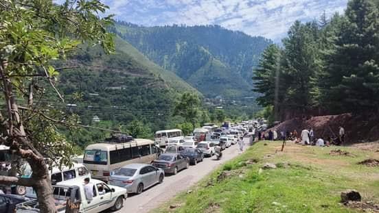 Naran traffic jam road condition